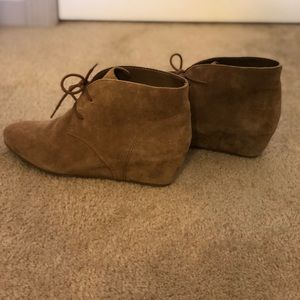 d6a505356a27 Nine West Shoes - Nine West Joanis suede leather wedge bootie